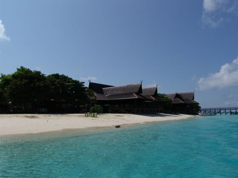 Mataking: The Reef Dive Resort  2